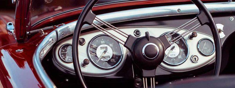 Dashboard van oldtimer